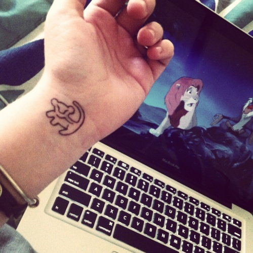 tatouage disney simba